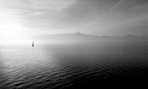 atardecer solitario en velero